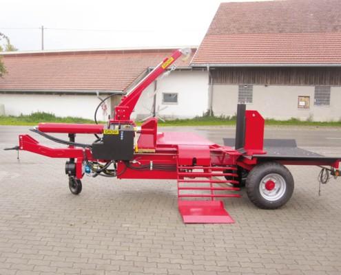 Turbo Waagrechtspalter mit Traktorfahrwerk